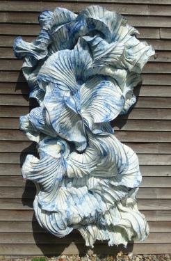 2017-20 240 x 145 x 40 cm blue & white